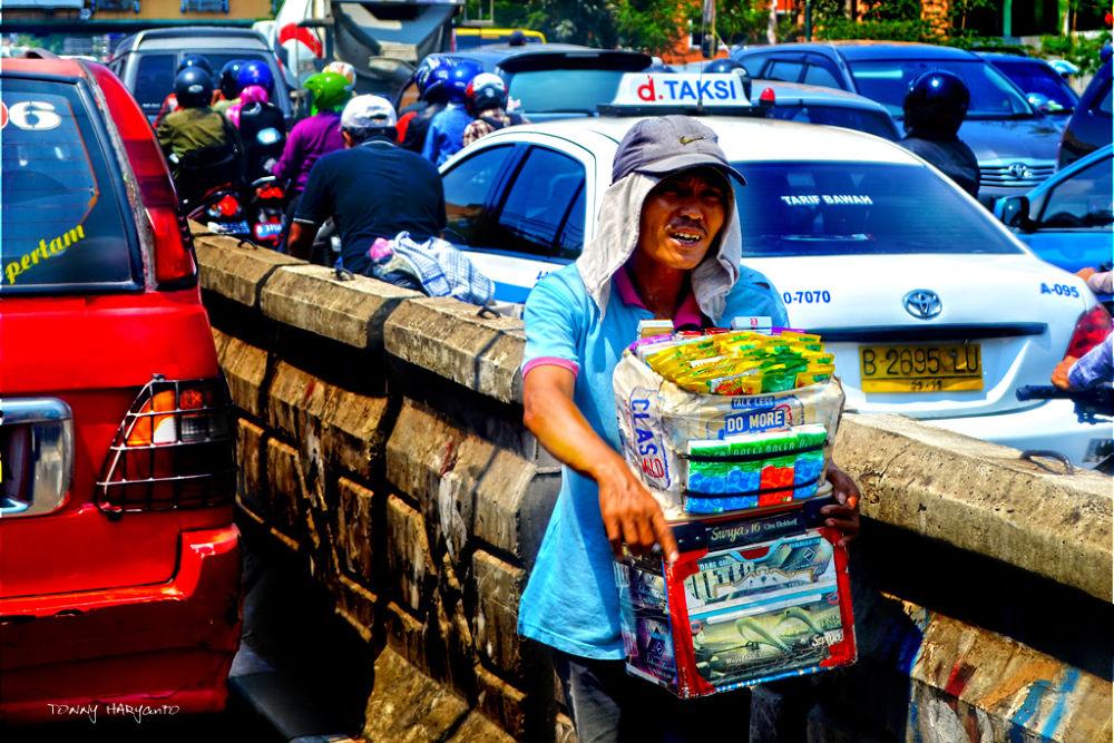 Photo in Random #street #people #worker #jakarta #survive