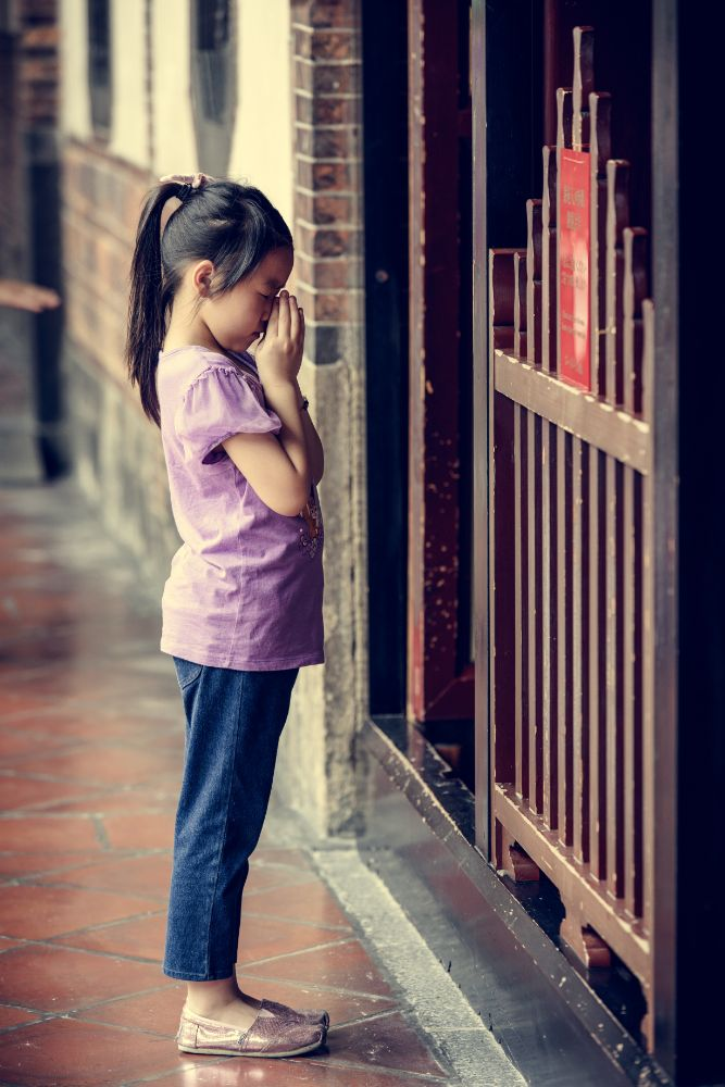 Photo in People #pray #temple #girl #people #dao #religion #taiwan