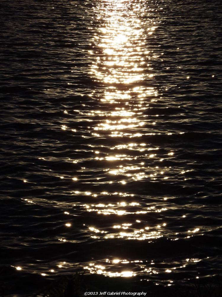 Photo in Random #sun #sunlight #water #glow #beautiful