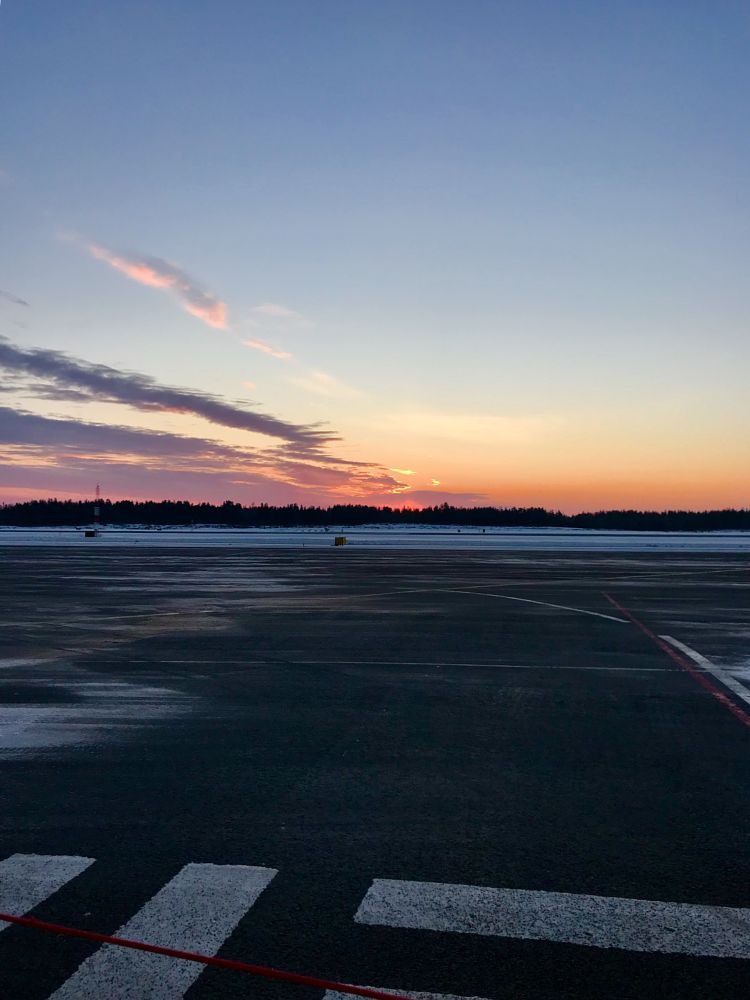 Photo in Landscape #airport #daytimesunset #finnishchristmas #notthebusiestairport #sunset #magical
