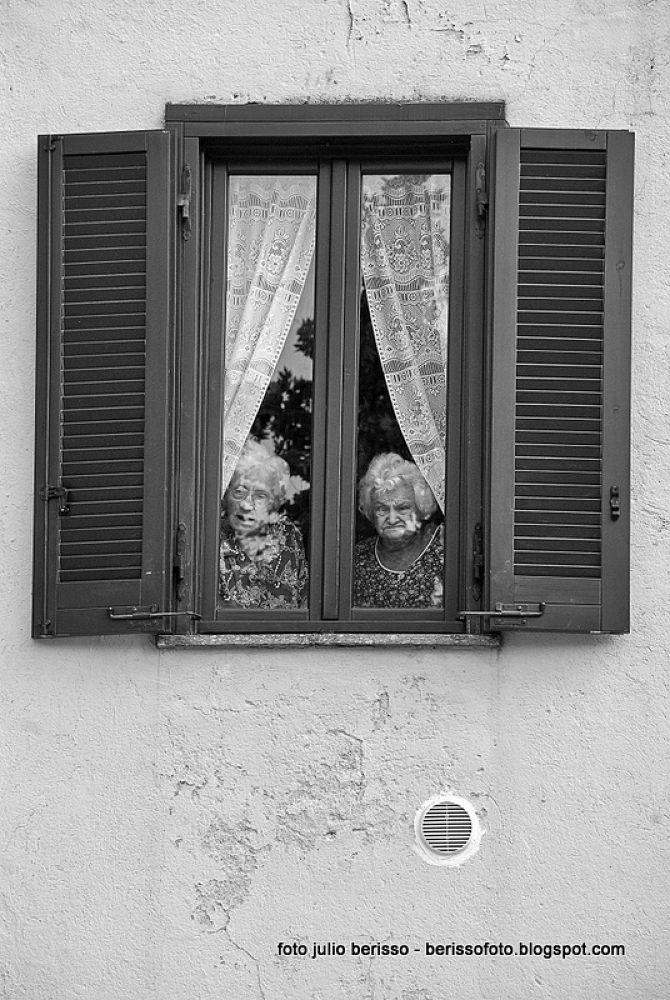 Photo in Random #finestra #ventana #señoras #anziani