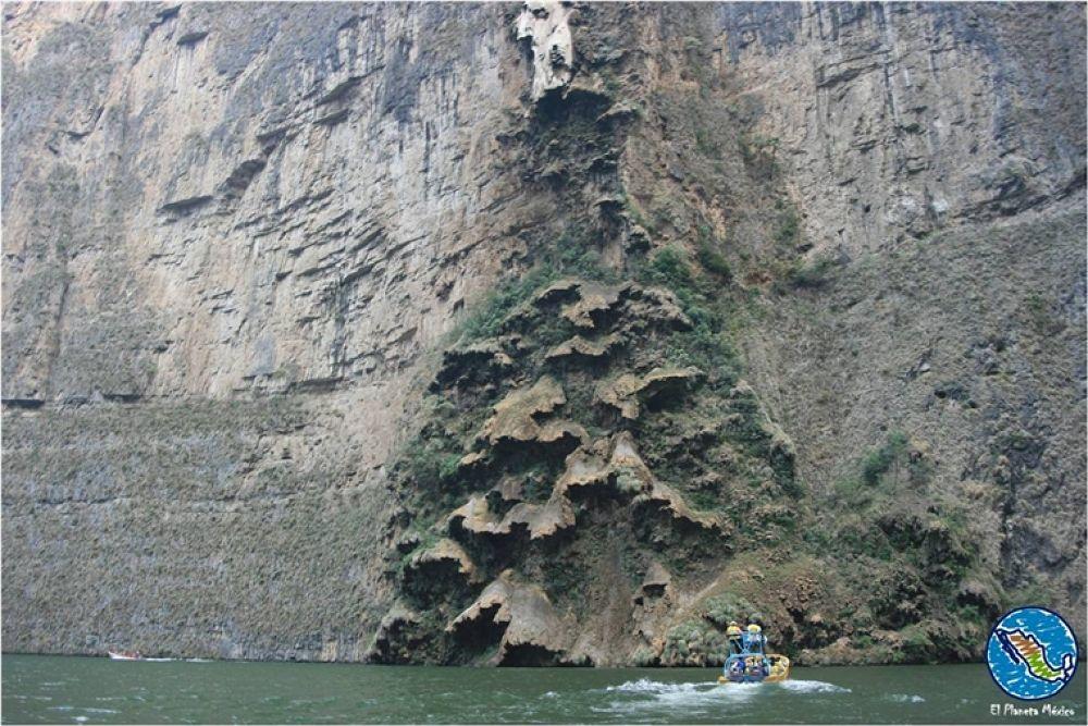 Photo in Travel #sumidero canyon #cañón del sumidero #chiapas #grijalva #mexico #árbol de navidad #cascada