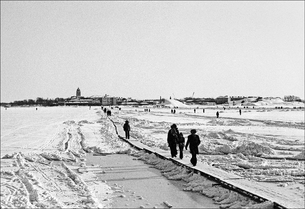 Photo in Film #black and white #film #film photography #winter #people #ice #sea #monochrome #the sixties #helsinki