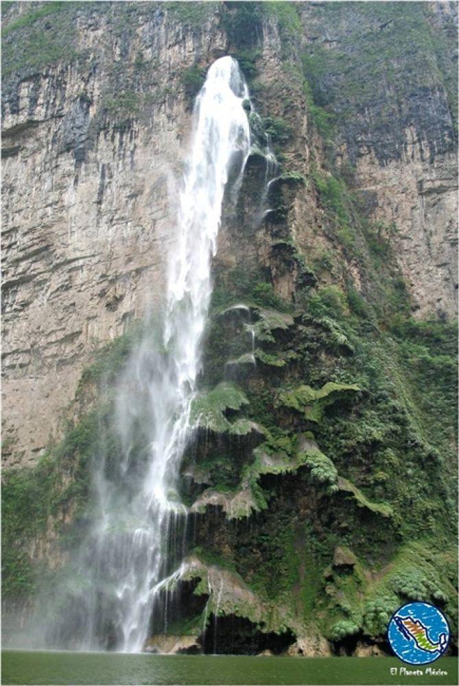 Photo in Travel #cañón #sumidero. #christmas tree #waterfall #sumidero canyon #chiapas #mexico