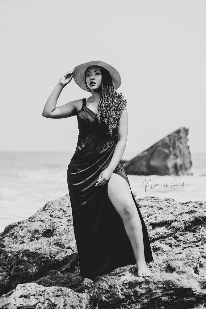 Photo in Portrait with model Tebellow  #portrait #blackandwhite #sonya6000 #50mmlens #beachportrait