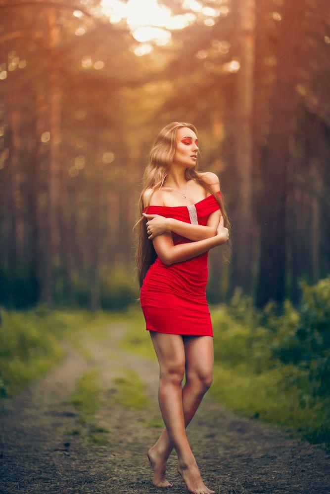 Photo in Random #style #beauty #beautiful #model #fashion #woman #dodge #burn