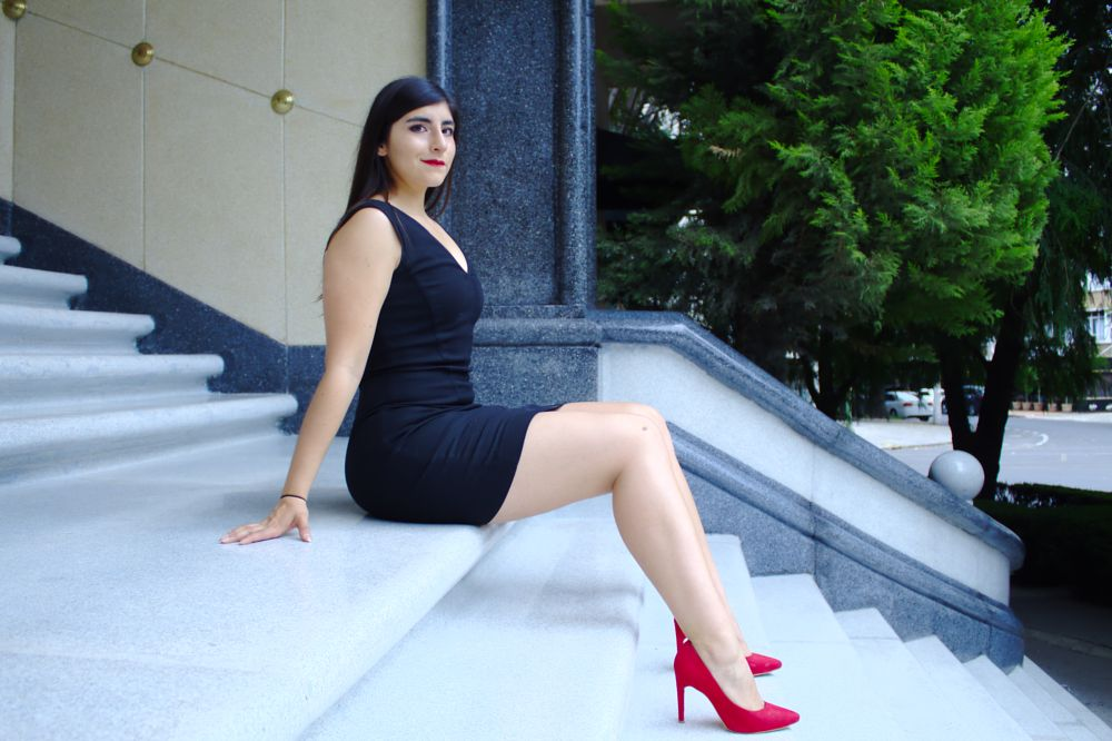 Photo in Fashion #smile #happy #ready #stand up #come #with me #beautyful #beauty #marmol blanco #black dress #red shoes #red lipstick #cdmx #polanco #mexico