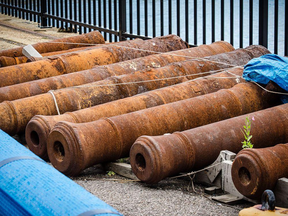 Photo in Industrial #cannon #naval dockyard #rust