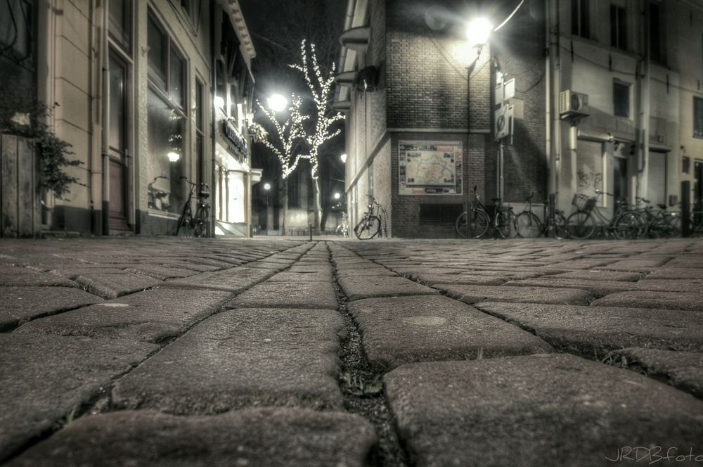 Photo in Street Photography #city #urban #street #streetphotography #night #longexposure