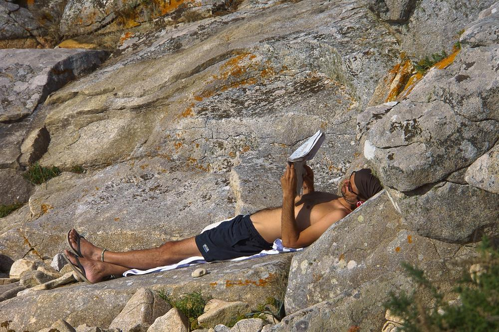Photo in People #plage #homme lecture