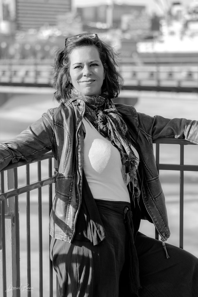 Photo in Portrait with model Lysa  #femme #vieux-montréal #woman #fall #automne #nb #bw