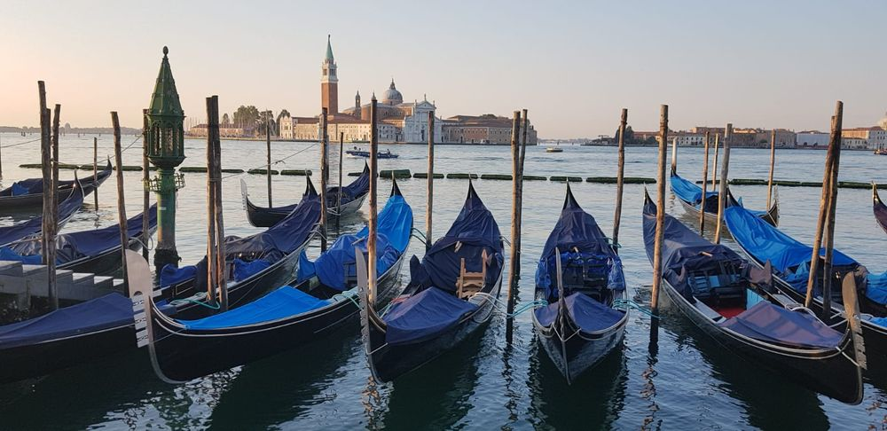 Photo in Random #venezia #italia #blu #gondola #atmosfera