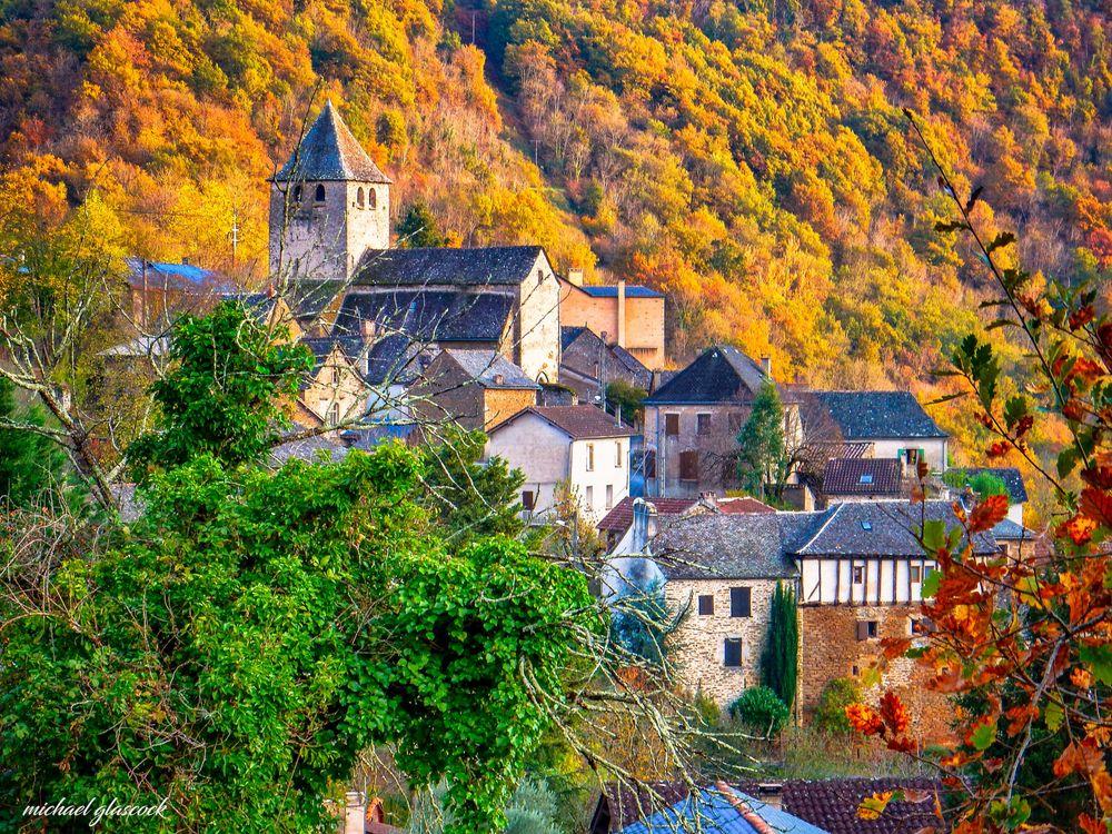 Photo in Random #countryside #campagne #france #lagarde viaur #autumn #flame #colourful colours #tourism #medieval #middle ages #houses #maison #eglise #church #tarn #citadelle #viaur valley #gorges de viaur