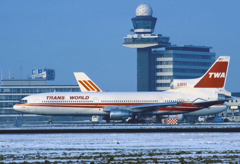 N7035T L1011-100 cn 1231 TWA 850113 Schiphol 1001