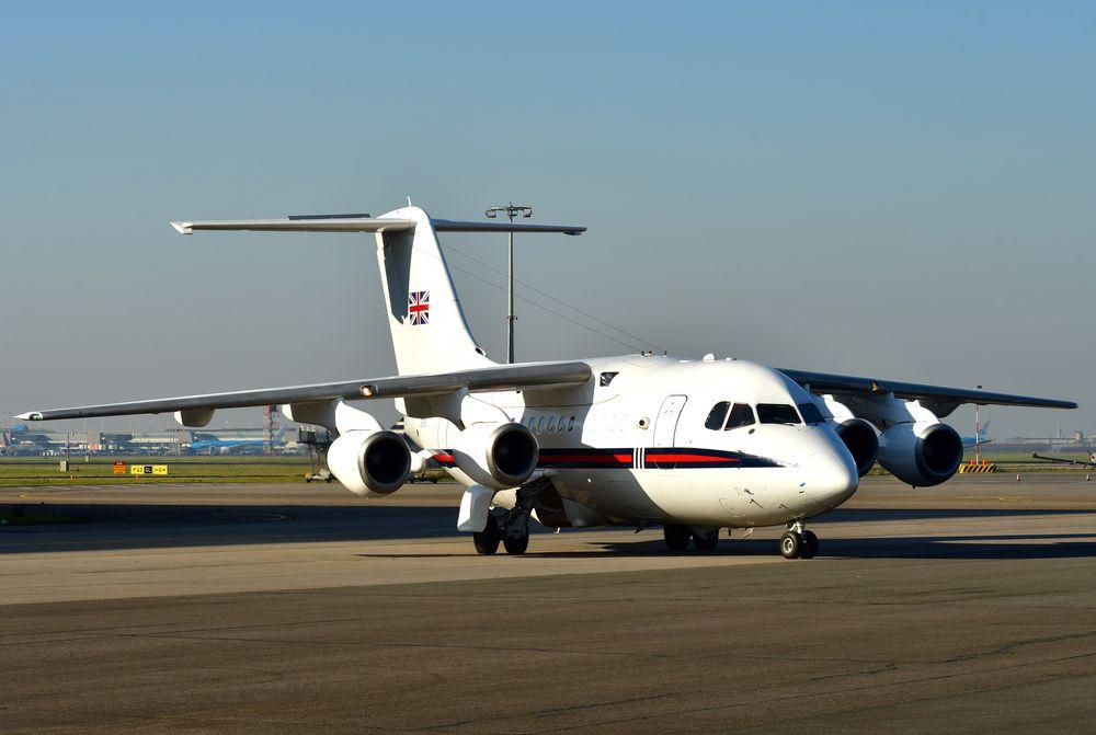 ZE700 - flg Bae146 CC2 RAF 32(TR)Sqn 200207 Schiphol 1003
