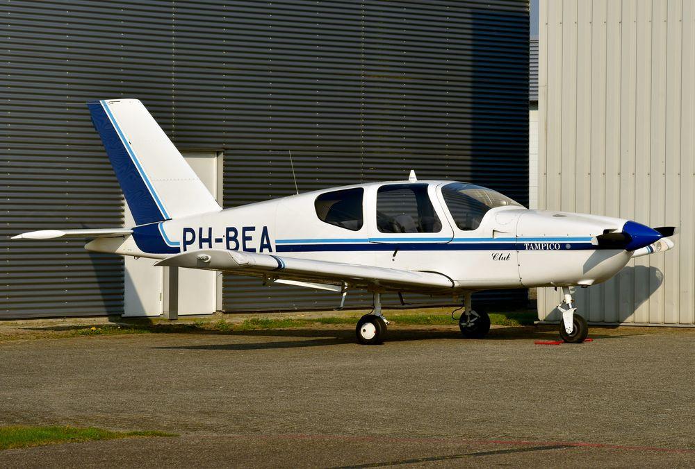 PH-BEA Socata TB-9  cn 1130 Zelf Vliegen 210420 Lelystad 1001