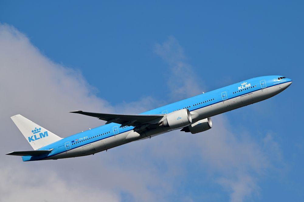 PH-BVI B777-306ER cn 35947 KLM 210319 Schiphol 1001