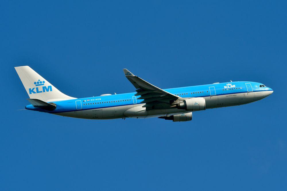 PH-AOB A330-203 cn 686 KLM 210319 Schiphol 1001