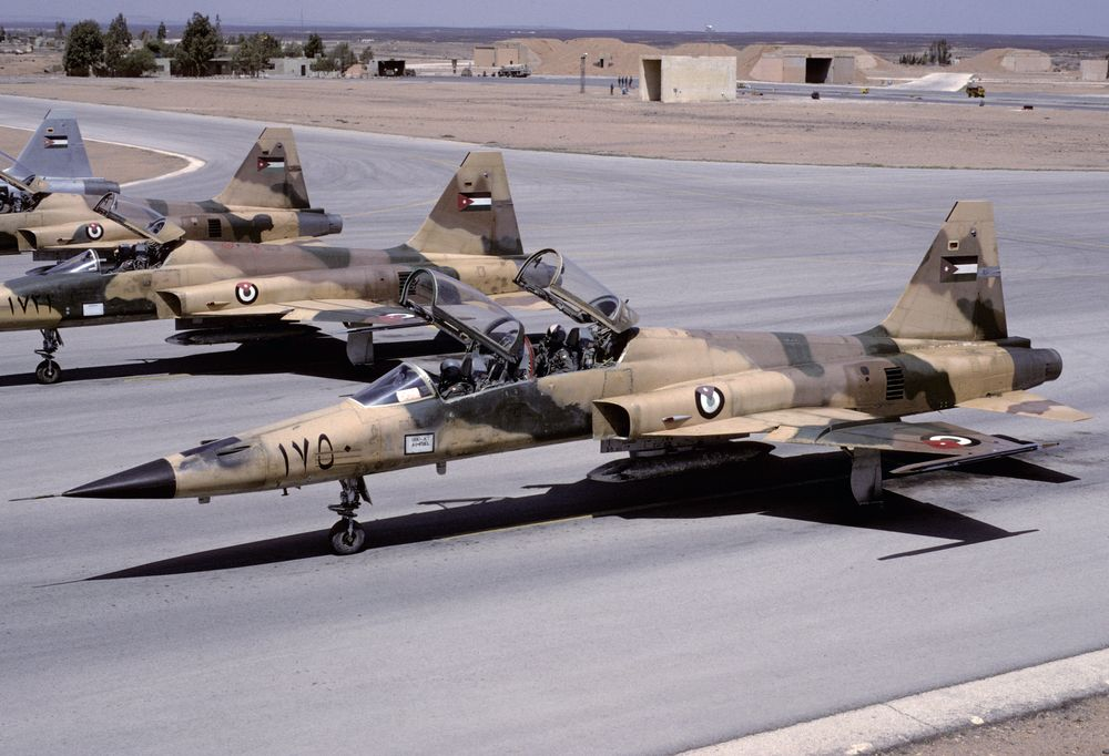 1750 - F-5F RJordAF 17Sqn 960402 Prince Hassan 1001