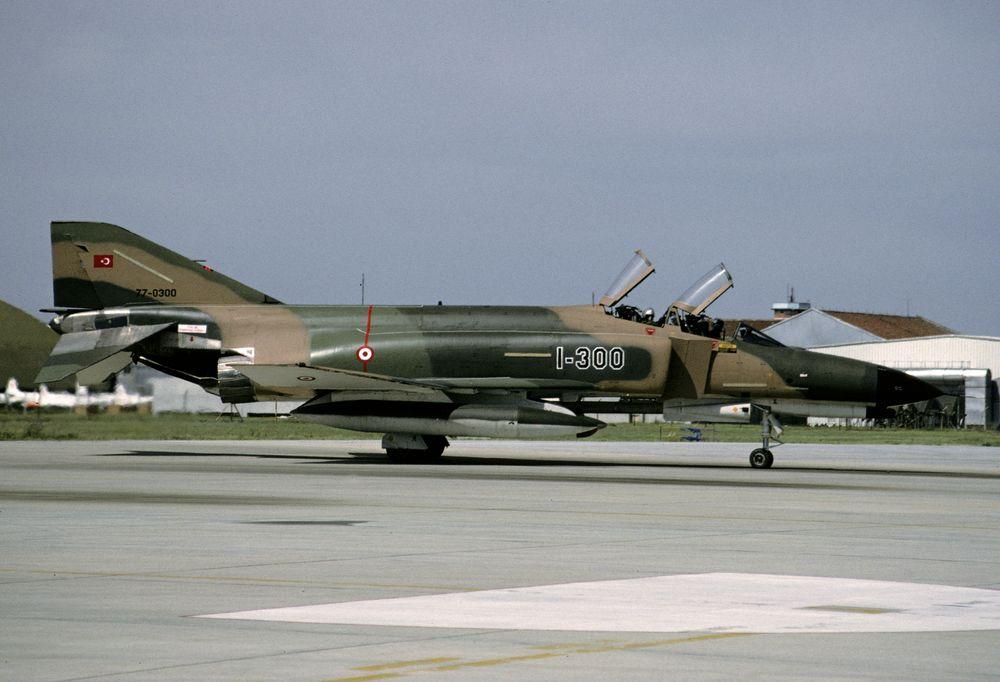F-4E 77-0300 1-300 - TurkishAF 111Filo 950523 Eskisehir 1001
