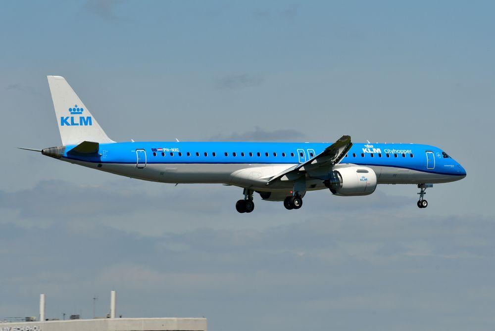 PH-NXC Emb195-E2 cn 20051 KLM Cityhopper 210426 Schiphol 1004