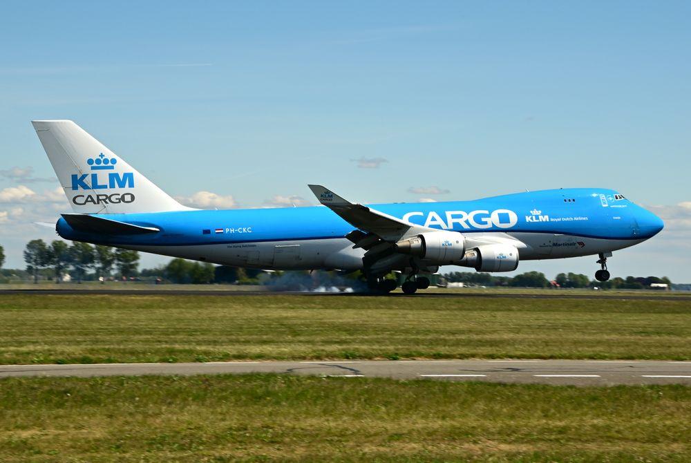 PH-CKC B747-406ERF cn 33696 KLM Cargo (100) 200517 Schiphol 1004