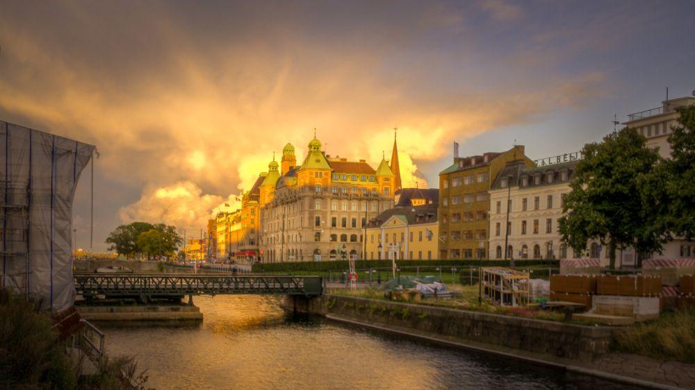 Photo in Cityscape #sweden #sverige #malmö #malmo #malmoe #sunset #cityscape #samsung #nx11