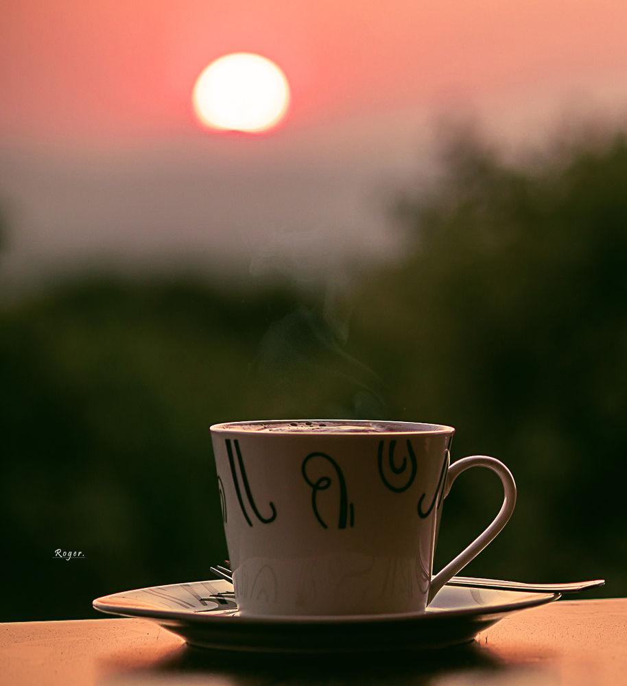 Photo in Random #taza #cafe #vaso #plato #cubierto #crema #caliente #mesa #fondo #primer plano #sol #atardecer #ocaso #paisaje #color #amarillo #rojo #verde #calido