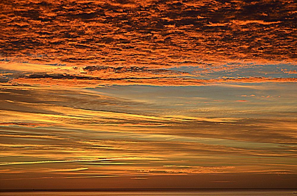 Photo in Sea and Sand #cloud #dark #sunrise