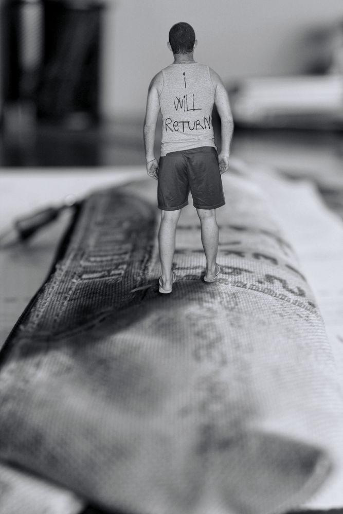 Photo in Random #sediles #surreal #photoshop #estuche #andar #walk #pencilcase #small #zaragoza #zgz