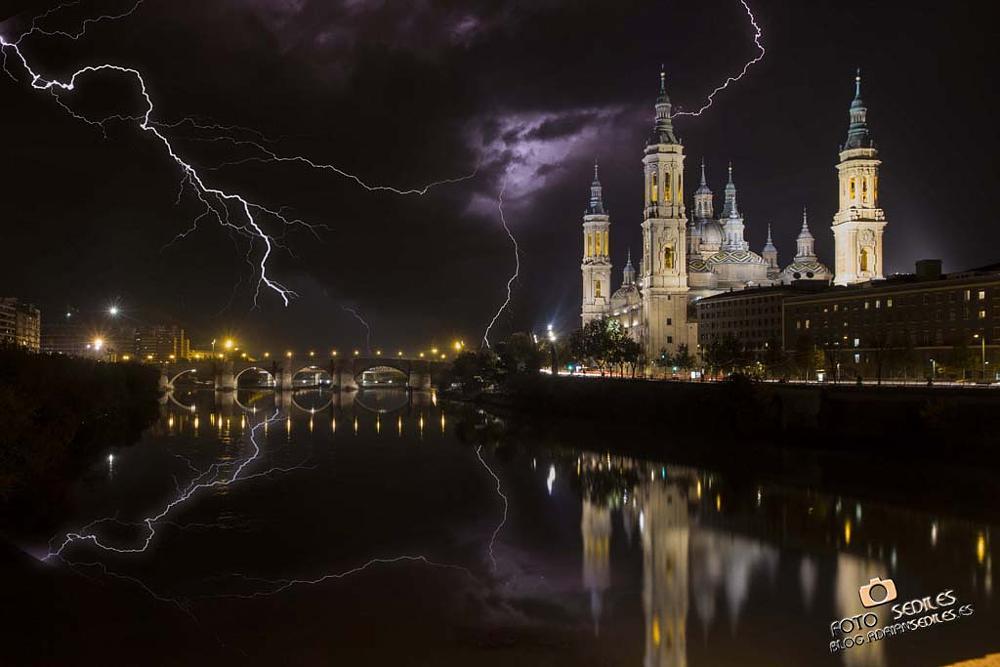 Photo in Landscape #noche #rayos #zaragoza #zgz #adrian #adrian sediles #sediles #tormenta #storm #thunder #rayo #lightnight