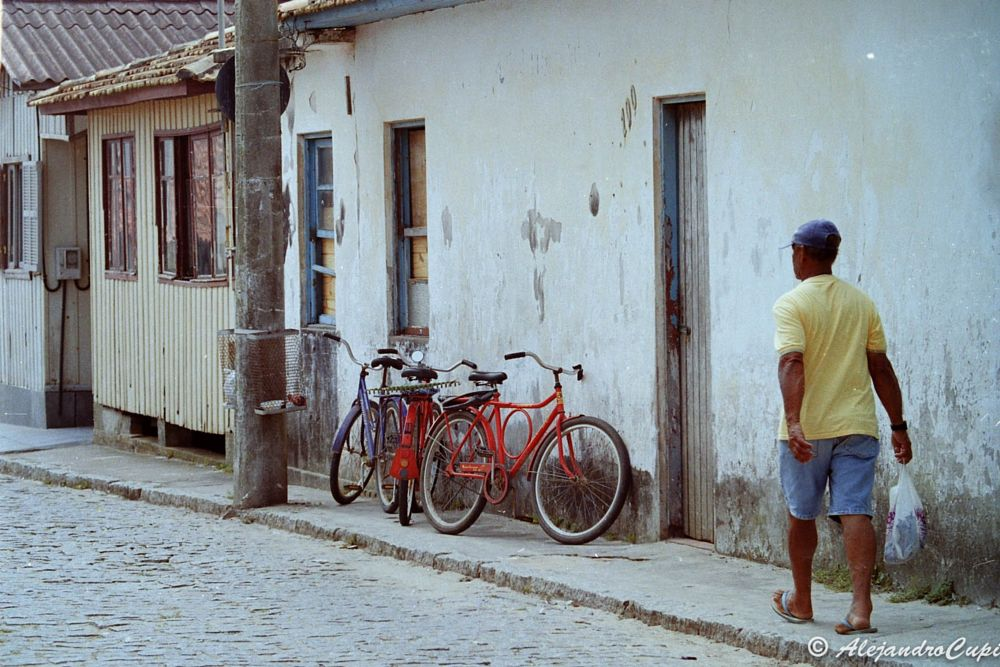 Photo in Travel #street #street photography #color #people #travel #travel photography #natgeo #natgeotravel #brazil #worlwide #architecture