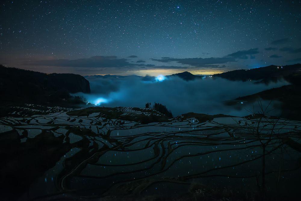 Photo in Landscape #yunnan #china #star #line #cloud #mountain