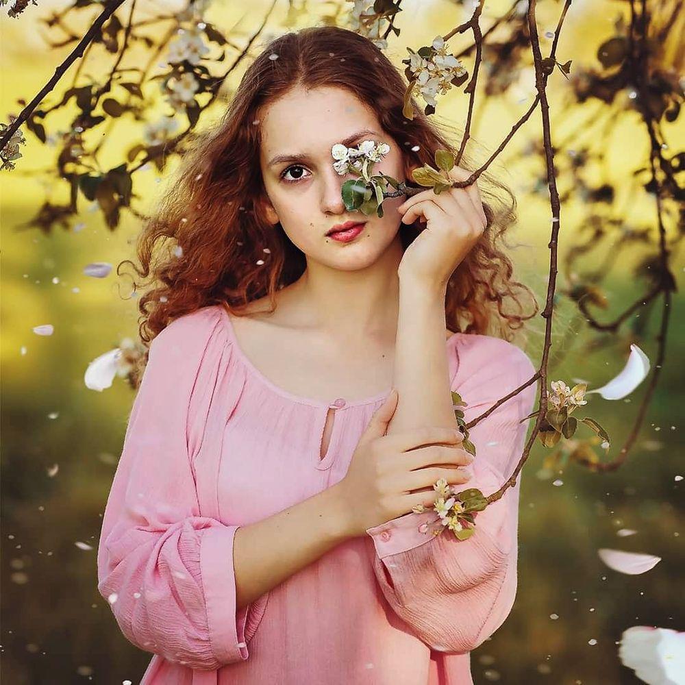 Photo in Portrait #child #children #girl #portrait #spring #color