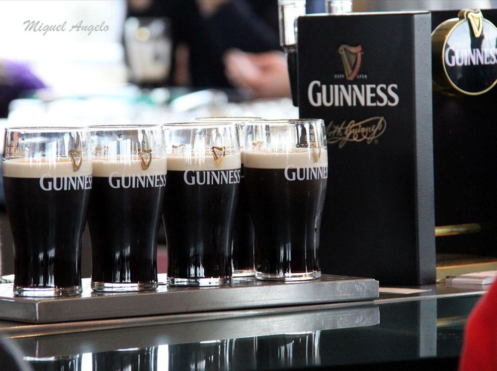 Photo in Random #guinness #beer #cerveja #stout #color #cor #dublin #ireland #irlanda