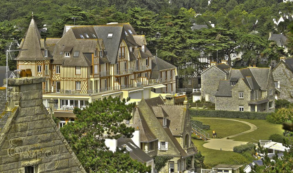 Photo in Architecture #bretagne #france #bord de mer #seacoast #old building