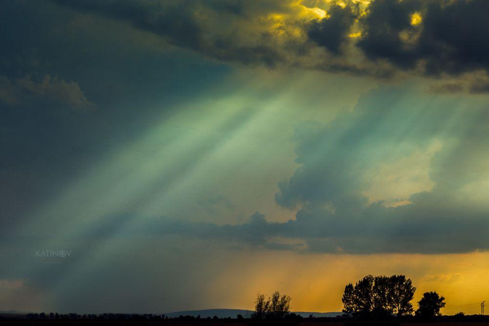 Photo in Landscape #sun #sunlight #ray #rays #clouds #nature #beautiful #rainy #katinov #stoyan katinov #glamour