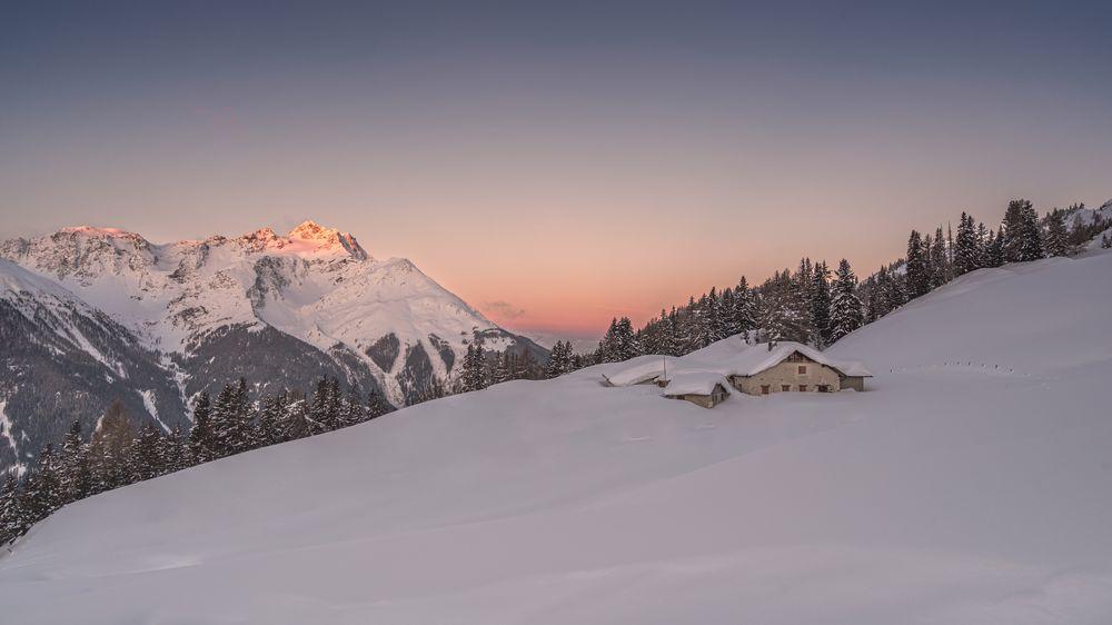 Photo in Landscape #morning #austria #snow #light #morninglight #winter #firstsunlight #kissofthesun