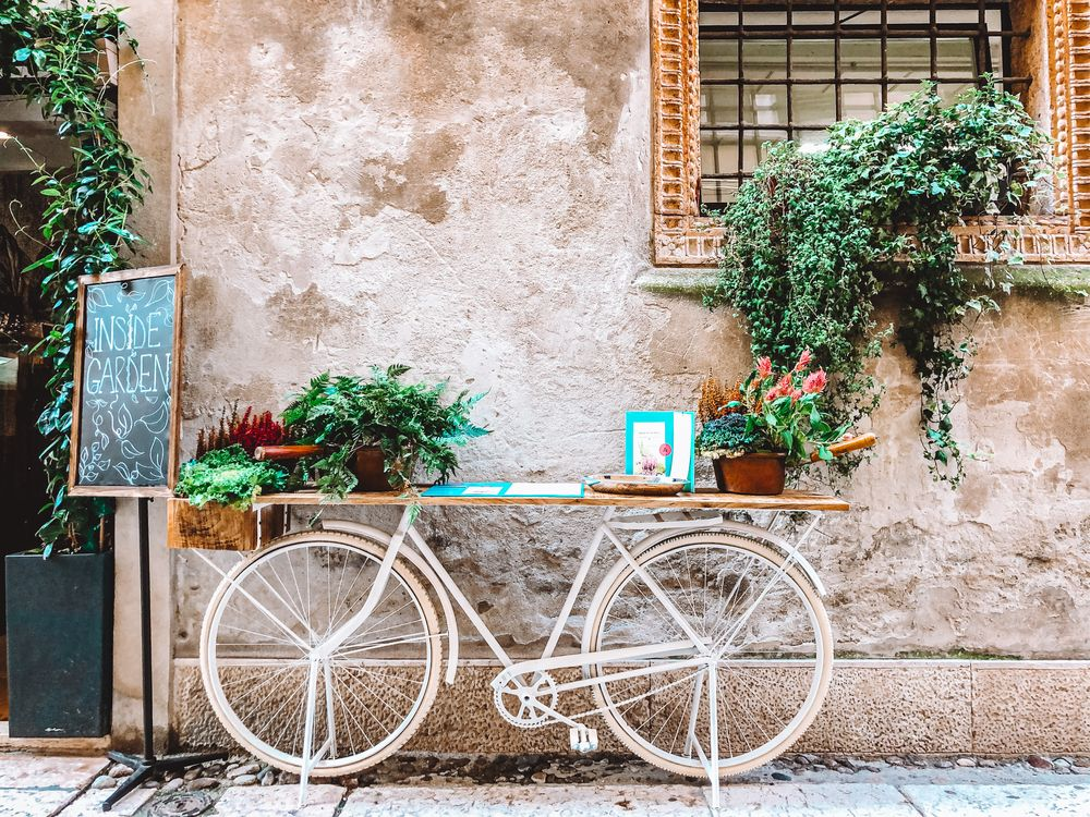 Photo in Street Photography #bicycle #simplicity #architecture #verona #italy #veneto #iphonex #travelphotography #travel #youpic