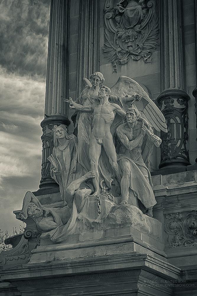 Photo in Black and White #arte #esculturas