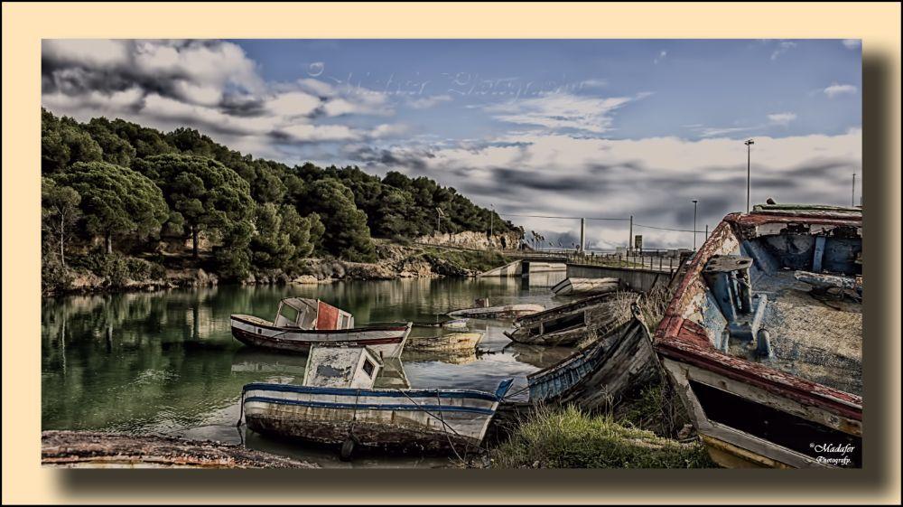 Photo in Landscape #color #ria #mar #pinos #agua #barcos #abandono #nubes
