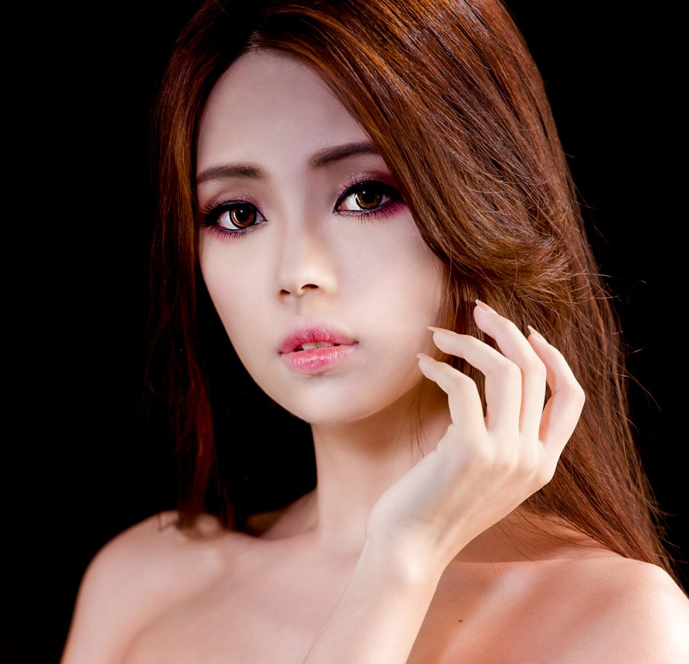 Photo in Portrait #youpic #christmas #beauty #portrait #photography #girl #female #lovely #happy #warm #holidays #joy #happiness #laugh #food