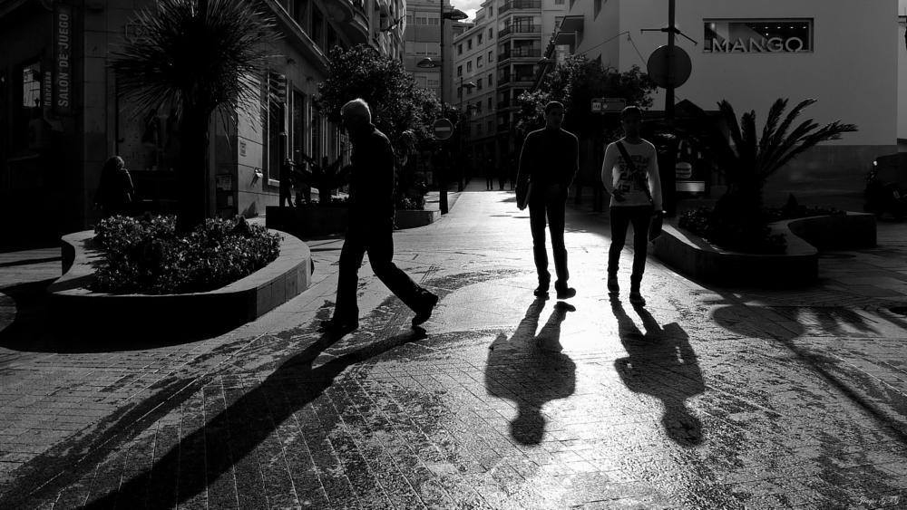 Photo in Street Photography #fotografía #urbana #contraluz