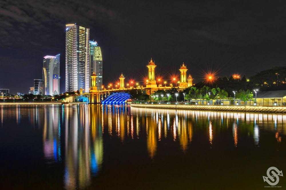 Photo in HDRI #putrajaya #seri gemilang bridge #bridge #skyscrapers #building #reflection #lake #night #scene #hdr #photography #nikon d3 #shamsul hidayat omar