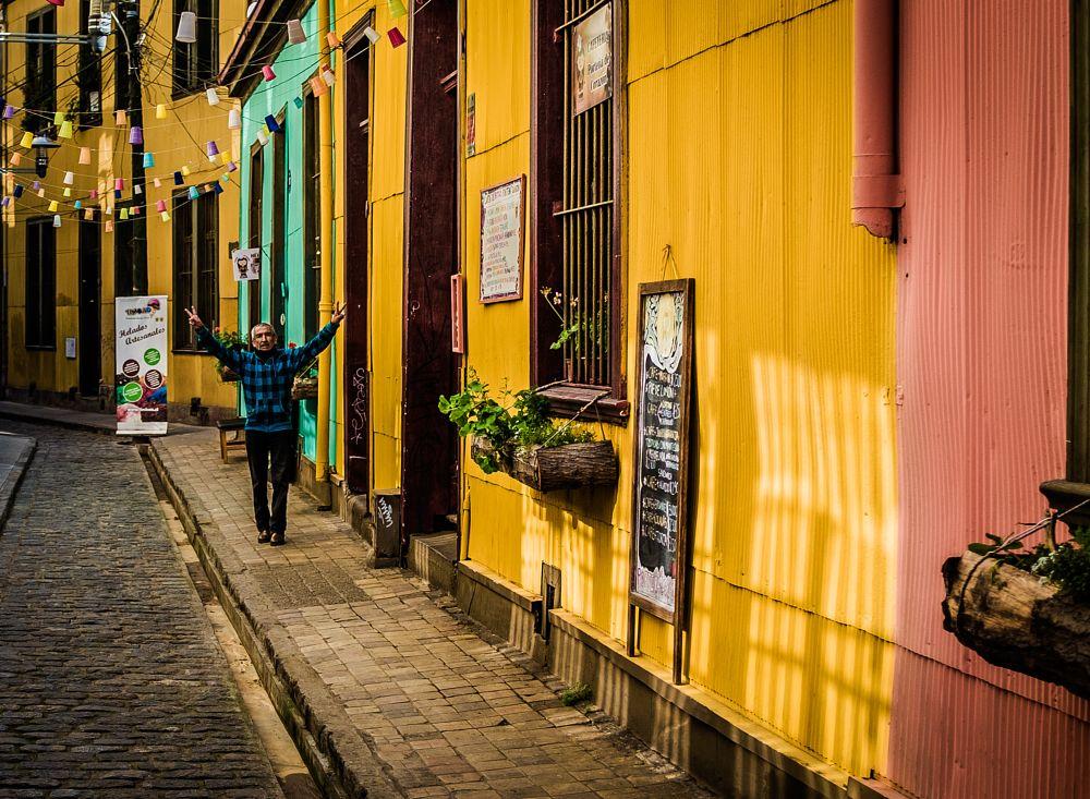 Photo in Street Photography #x100s #fujifilm #fotografiaurbana #valparaiso #chile