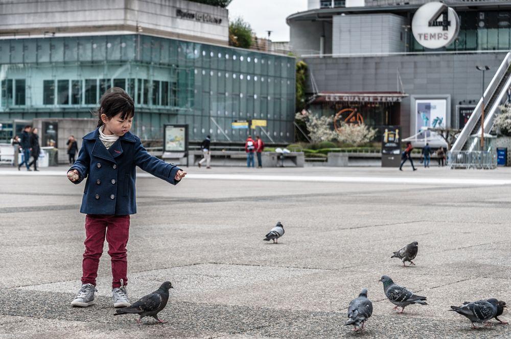 Photo in Street Photography #france #paris #la dèfense #children