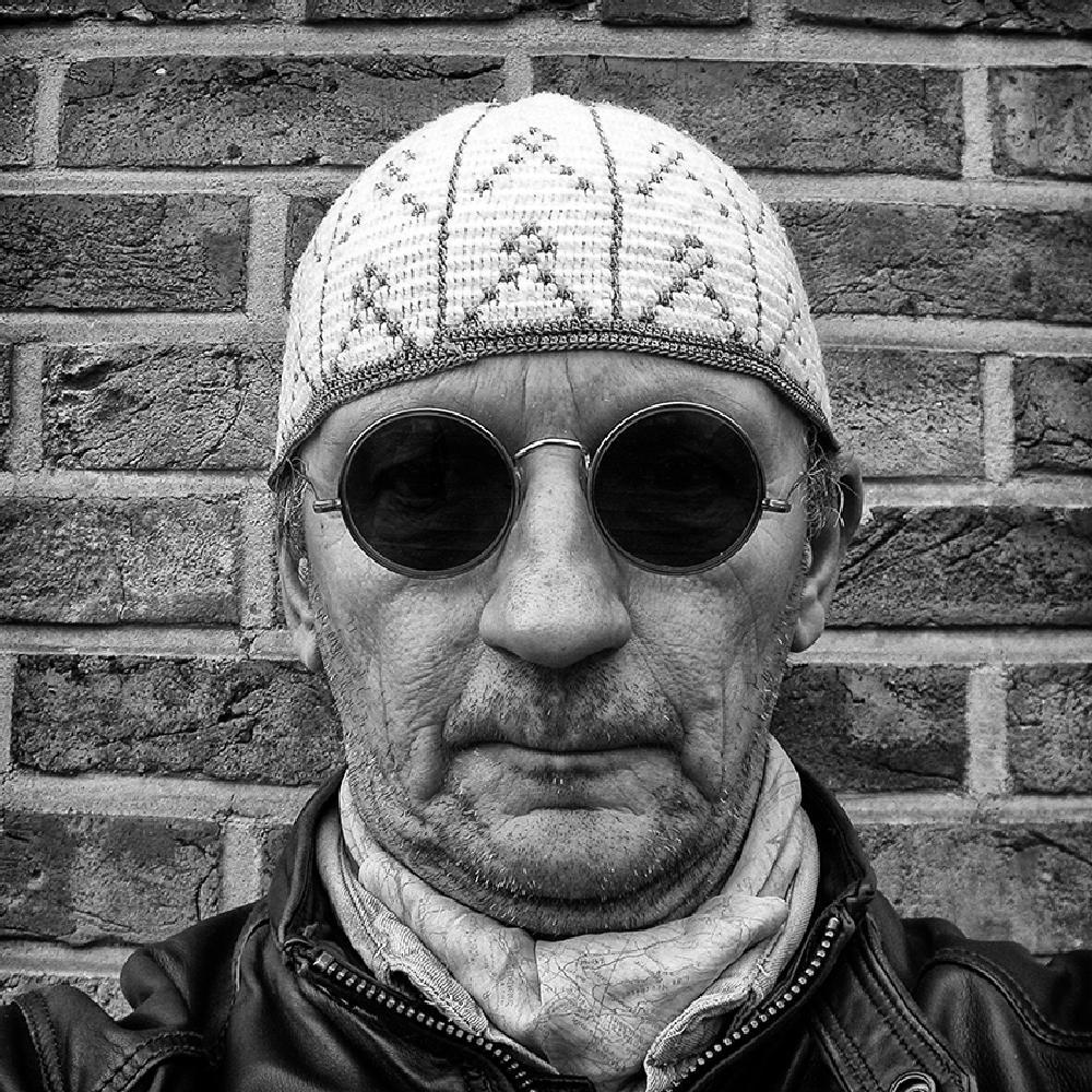 Photo in Black and White #jesuismusulman #jesuisjuif #autoportrait