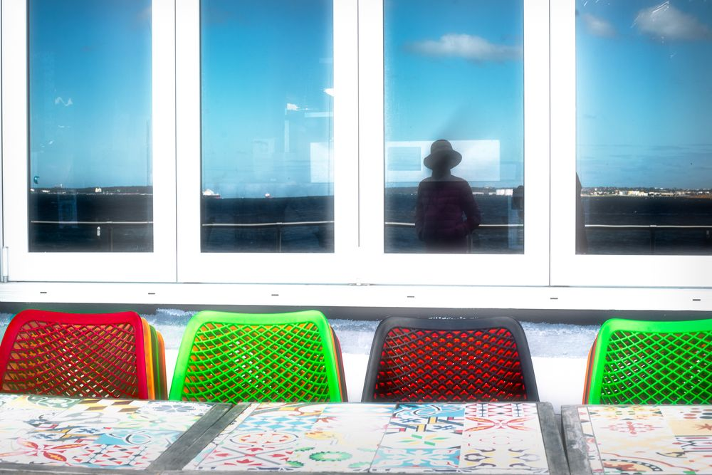 Photo in Random #beachside cafe #covid lockdown #cafe setting #blue red green #carlzeiss planar t* 50mm f1.4 #\