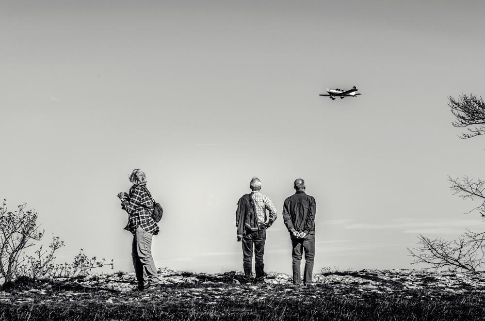 Photo in Black and White #people #blackandwhite #streetlife #landscape #lowkey #city #emotion #sky #plane #view #street #natur #photo #photography #nikon #nikonphotography #mkdigitalart