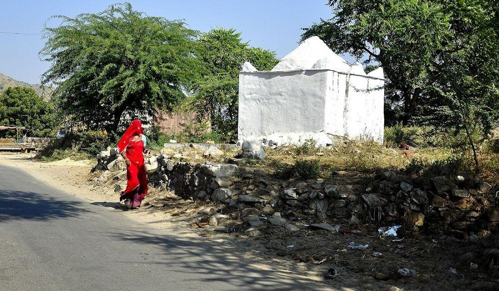 Photo in Random #india #rajasthan #red #woman #girl #road #street